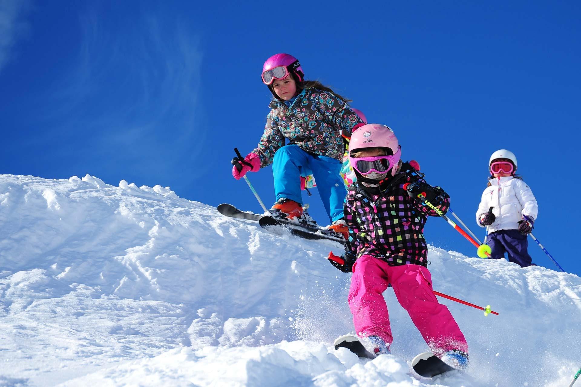 Ski lessons & Ski schools