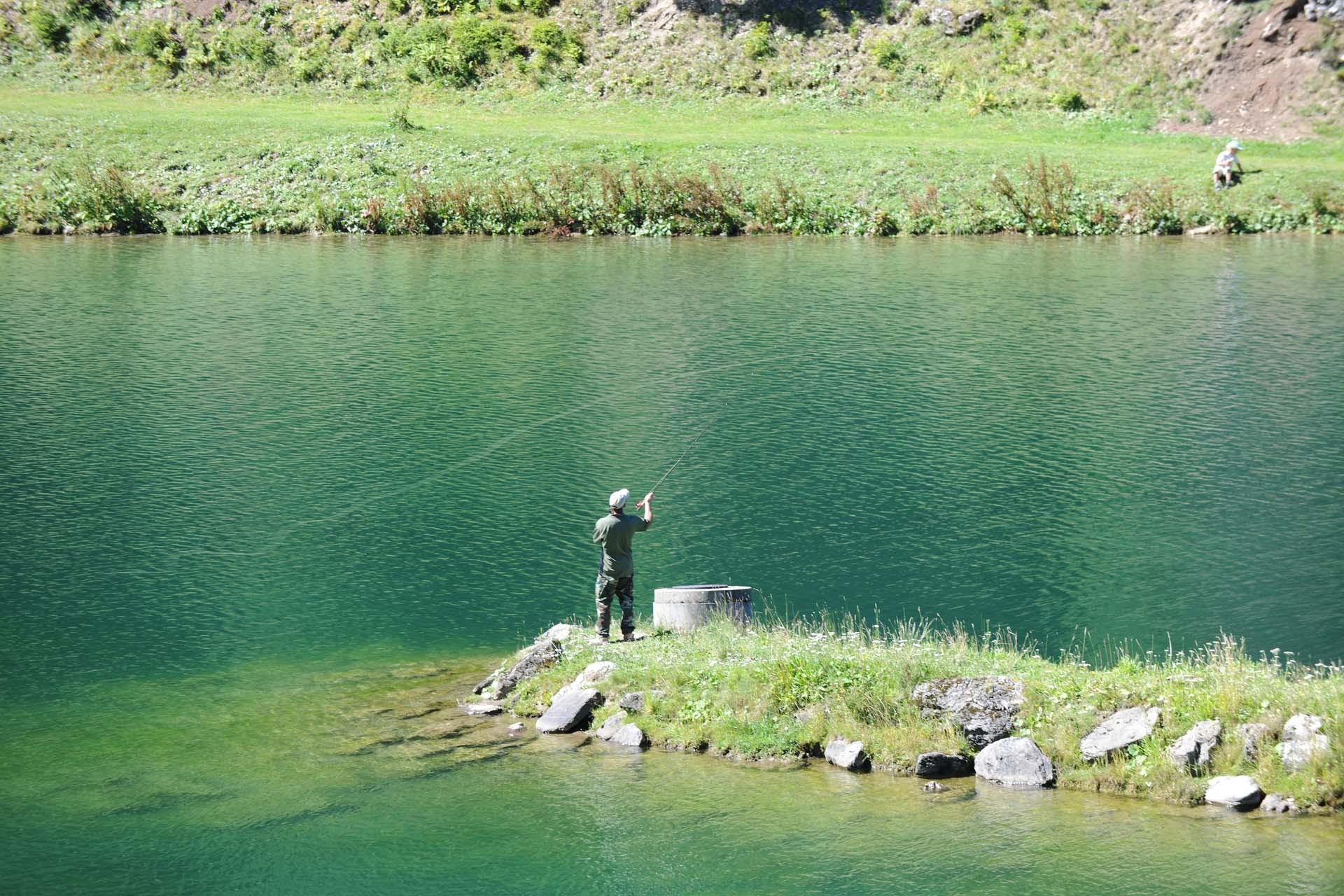 Vissen aan het meer van La Mouille