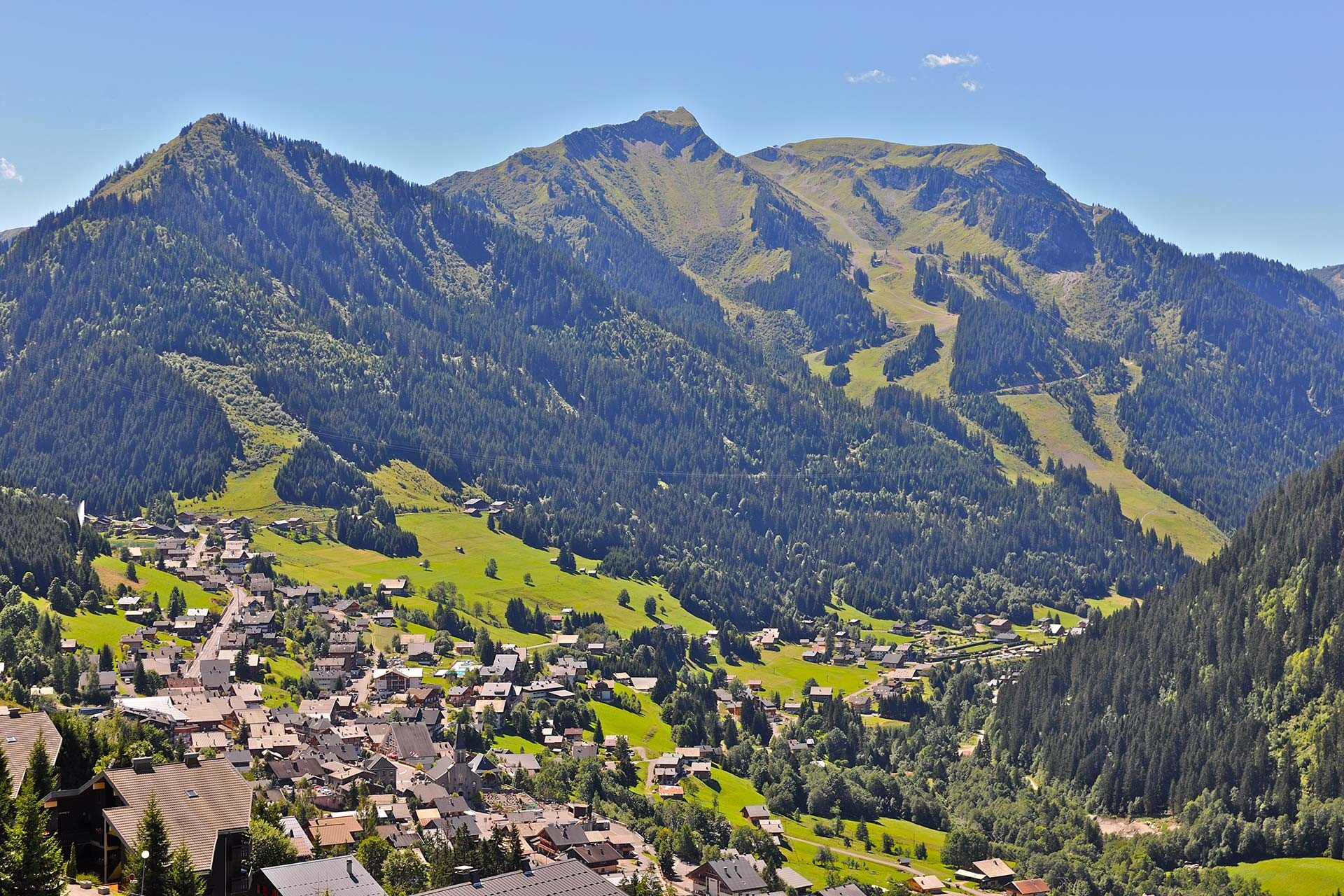 To come to Châtel