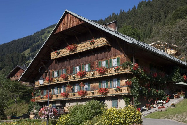 Chalets & Balconies